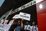 Li & Fung workers protesting unpaid wages