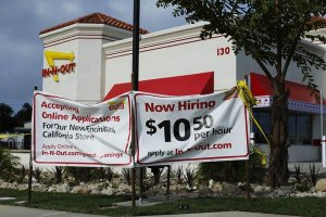 This new In-N-Out Burger in Encinitas, CA, pays well above the state's $9 minimum wage, and the federal $7.25 minimum