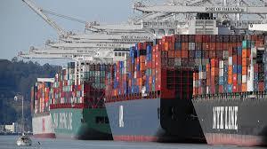 ships in port of la